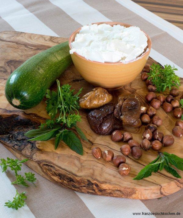 terrine-de-courgette-au-fromage-frais-figue-et-noisettes--zucchinifrischkase-terrine-mit-feigen-und-haselnussen--dsc90531-copier