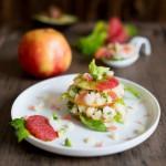 Mille-feuille de pommes, crevettes et pamplemousse ( Mille-feuille von Äpfeln, Garnelen und Grapefruit )