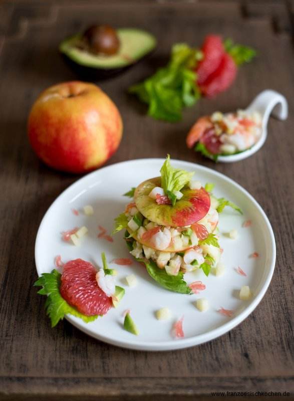 millefeuille-de-pommes-crevettes-et-pamplemousse--millefeuille-von-apfeln-garnelen-und-grapefruit--dsc09611-copier