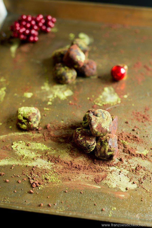 truffes-noires-au-matcha-matcha-truffeln-mit-bitterschokolade-dsc52731-kopie