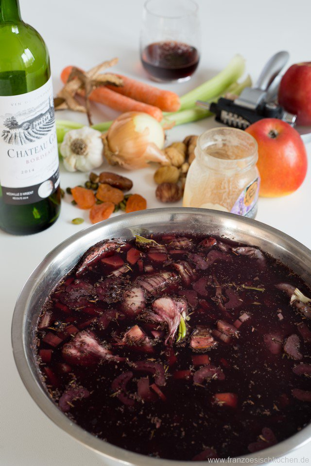 gibier-aux-pommes-fruits-secs-et-chataignes-wildbraten-mit-apfeln-getrocknetem-obst-und-kastanien-dsc65921-kopie