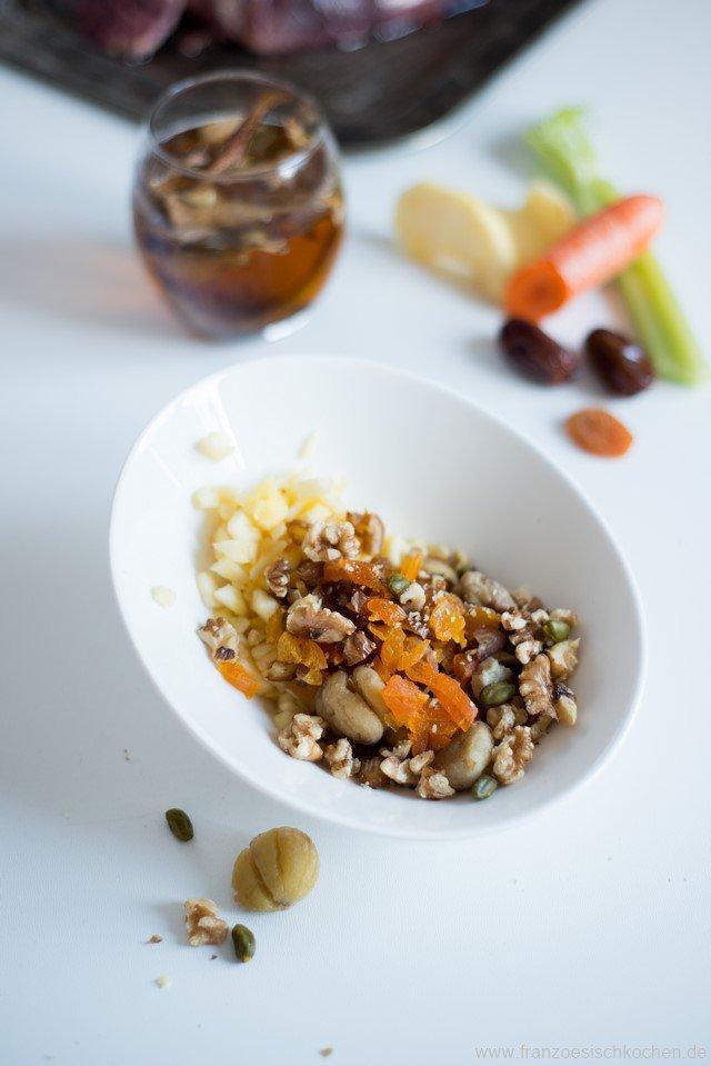 gibier-aux-pommes-fruits-secs-et-chataignes-wildbraten-mit-apfeln-getrocknetem-obst-und-kastanien-dsc66181-kopie