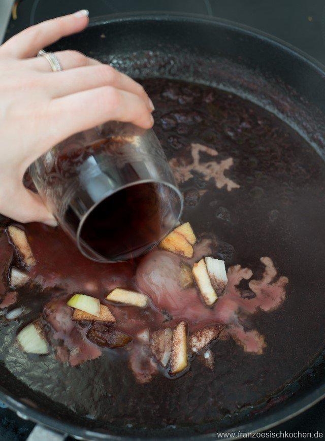 gibier-aux-pommes-fruits-secs-et-chataignes-wildbraten-mit-apfeln-getrocknetem-obst-und-kastanien-dsc66781-kopie