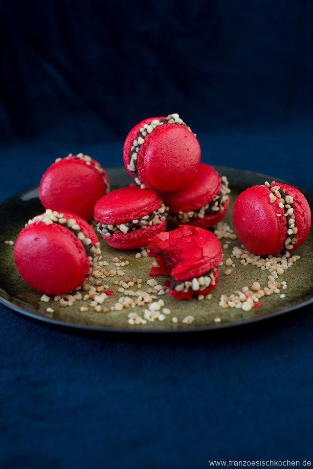 macarons-croquants--knusprige-macarons-mit-krokant---und-noch-ein-macarons-faq-dsc715811-kopie