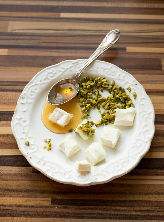 salat-mit-fruhlingsgemuse-salade-aux-petits-legumes-printaniers-dsc3924-kopie