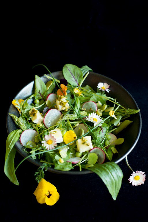 Salat mit Frühlingsgemüse (Salade aux petits légumes printaniers)