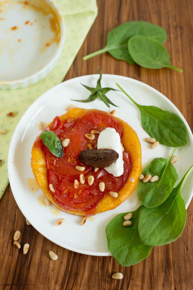 herzhafte-tarte-tatin-mit-tomaten-tarte-tatin-salee-aux-tomates-dsc4431compressed