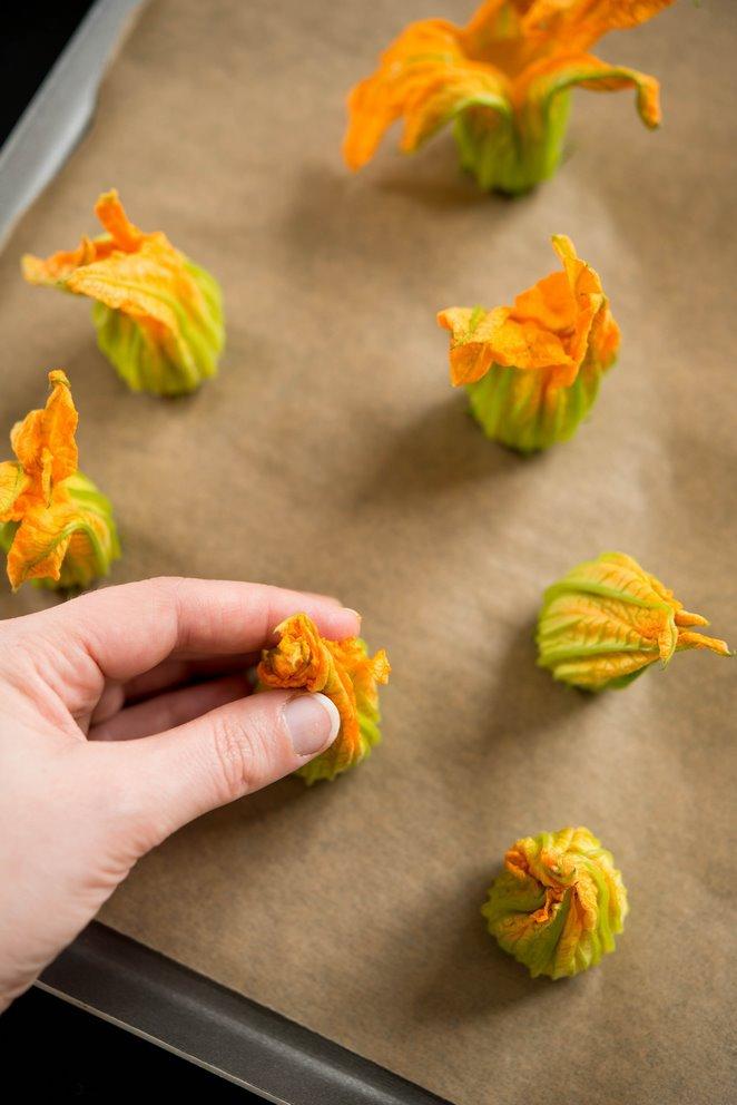 gefullte-zucchinibluten-fleurs-de-courgettes-farcies-dsc4818-kopie