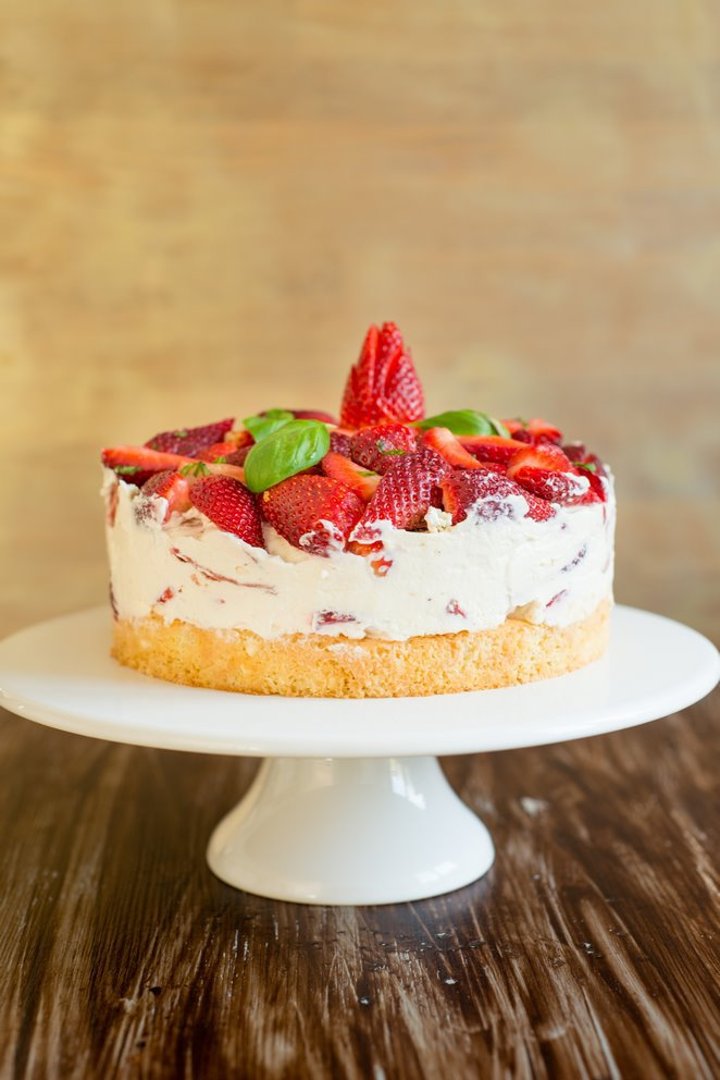 Einfache Erdbeer-Basilikum Torte (Gateau fraises basilic tout simple)