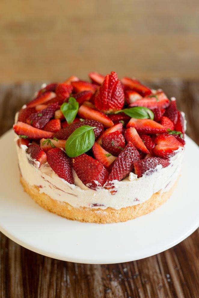 einfache-erdbeerbasilikum-torte-gateau-fraises-basilic-tout-simple-dsc32361-kopie