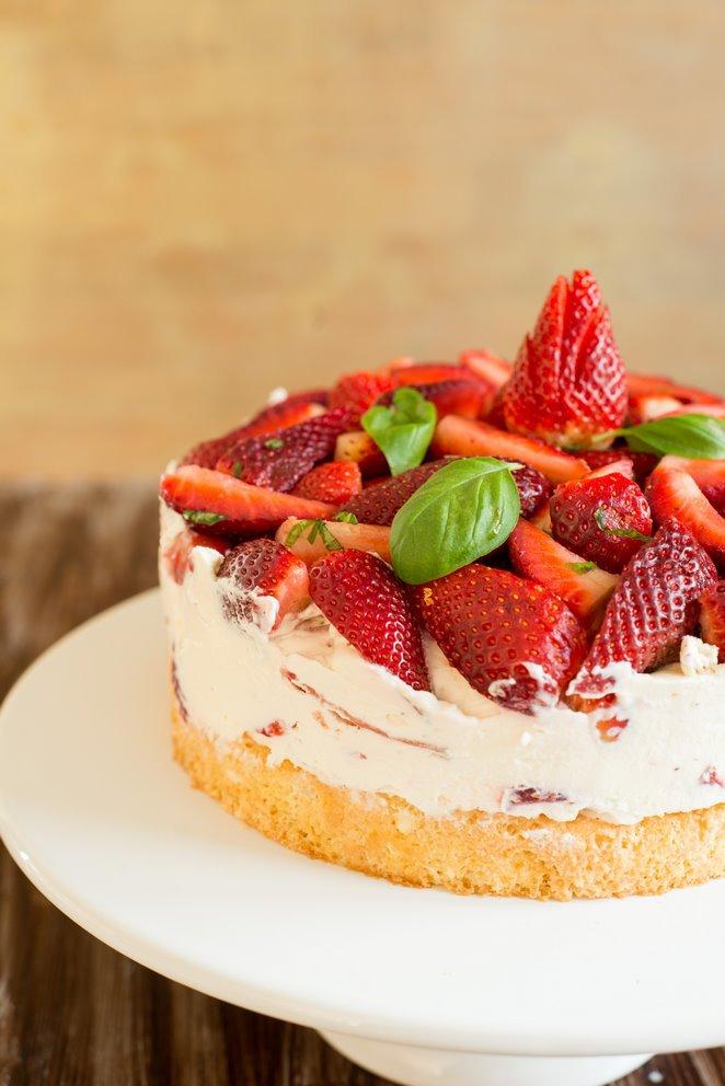 einfache-erdbeerbasilikum-torte-gateau-fraises-basilic-tout-simple-dsc32421-kopie