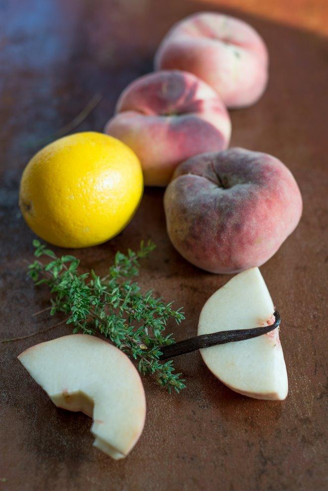 sommerliche-pfirsischzitronenthymian-suppe-soupe-de-peches-et-thym-citron-dsc3380kopie