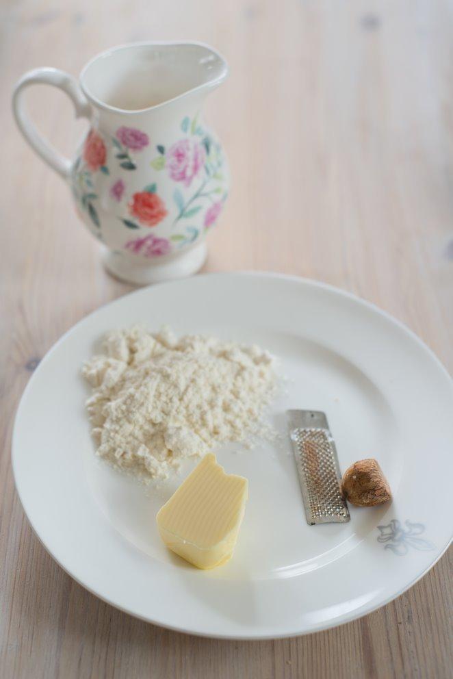 lasagne-mit-entenconfit--pfifferlingen-und-das-basisrezept-fur-bechamel-sauce-faq-dsc6866kopie