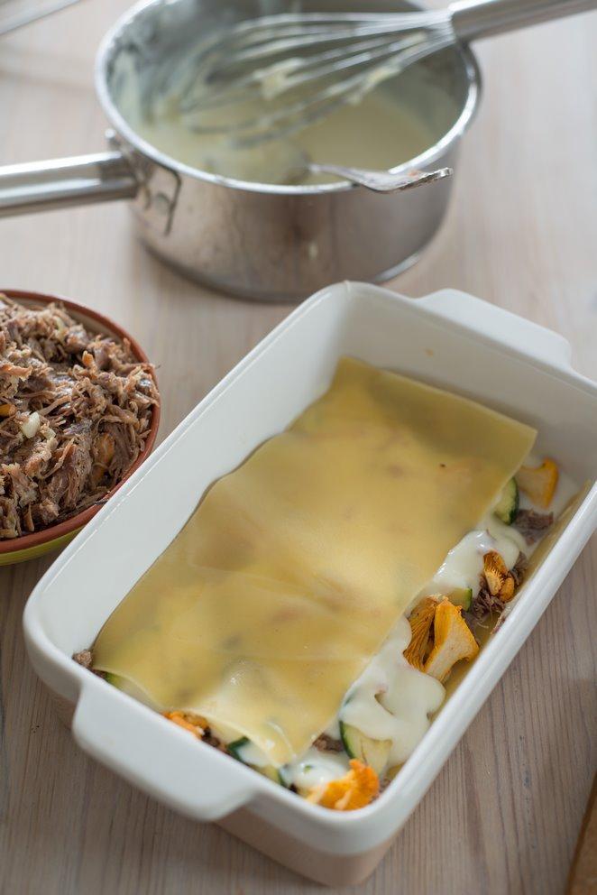 lasagne-mit-entenconfit--pfifferlingen-und-das-basisrezept-fur-bechamel-sauce-faq-dsc6901kopie