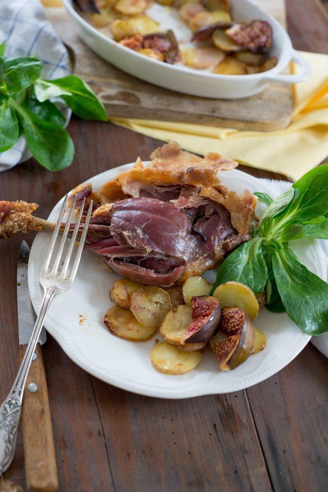 Enten-Confit mit Zimt, Feigen & Kartoffeln à la sarladaise (Confit de canard à la cannelle)