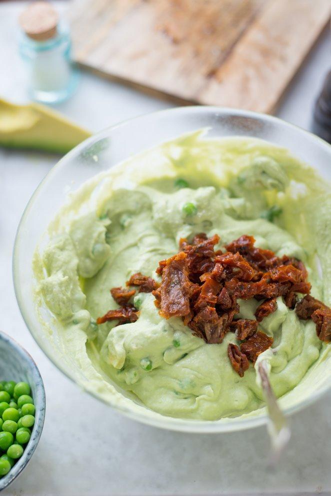 fruhlingsterrine-ohne-backen-mit-avocado-und-lachs