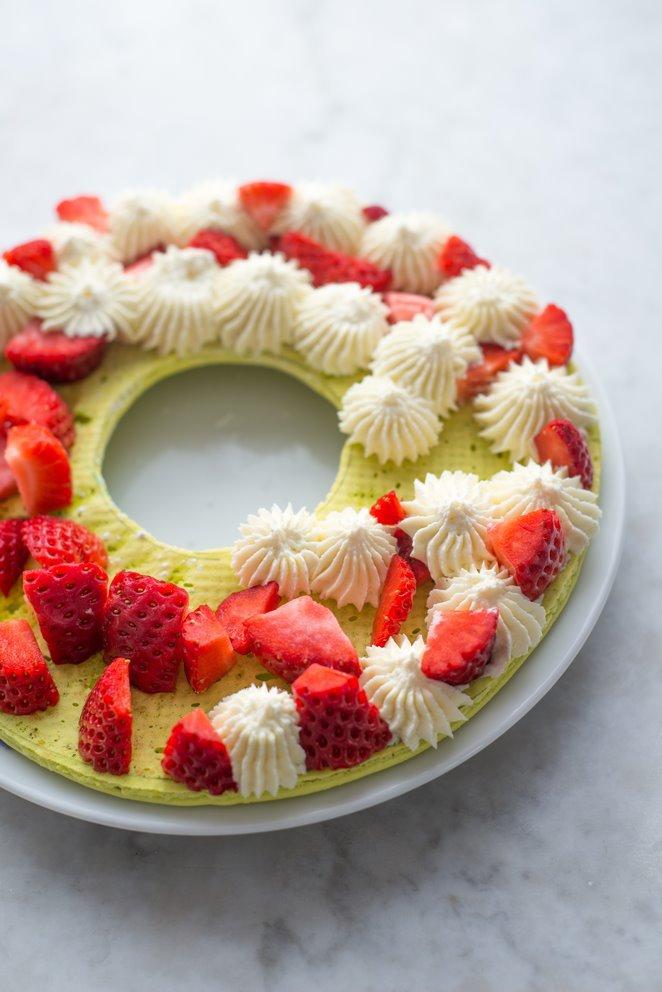 Macarons Kuchen Mit Erdbeeren Fur Eine Extragrosse Portion
