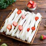 Erdbeer-Rhabarber-Tarte mit Baiser