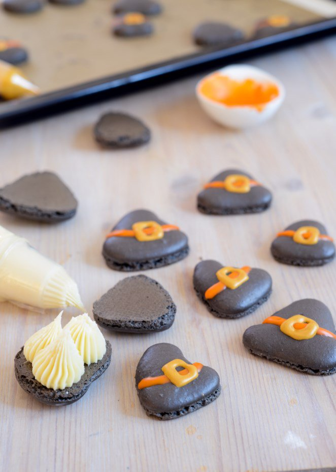 hexenhut-macarons-fur-halloween-und-warum-man-das-puder-noch-einmal-sieben-sollte