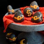 Hexenhut Macarons für Halloween und warum man das Puder noch einmal sieben sollte
