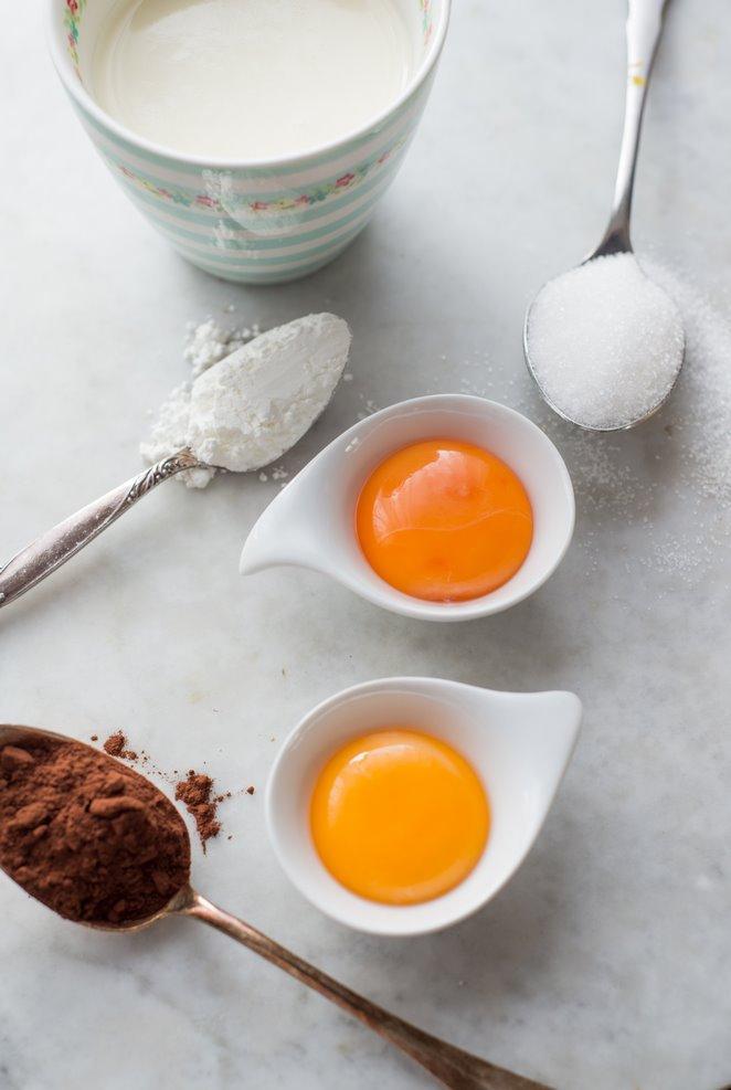 kleine-schokoladencreme-fur-das-vesper-petits-pots-de-creme-au-chocolat-pour-le-gouter