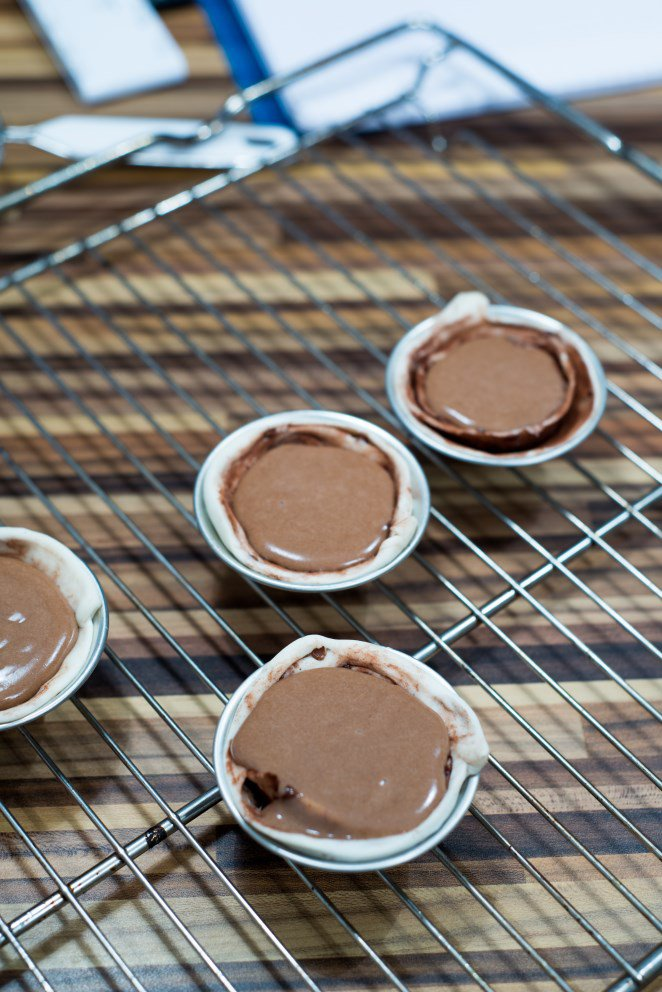 pasteis-de-nata-mit-salzbutterkaramel-und-schokolade