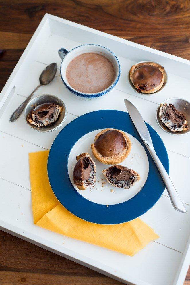 Pastéis de Nata mit Salzbutterkaramel und Schokolade